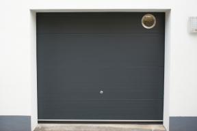 garagentore-deckensektionaltore-lipotherm-modern-anthrazit-fenster