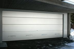 garagentore-deckensektionaltore-lipotherm-modern-grau-lueftung