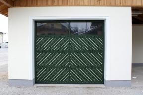 garagentore-deckensektionaltore-ls4000-klassisch-gruen