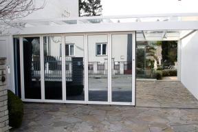 Garagentore Seitensektionaltore Aluminium LSS4000 modern Glas