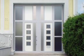 Garagentore Zweifluegeltore Aluminium modern weiß Glas