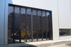Industrietore Schiebefalttore Aluminium AL603F Unternehmen