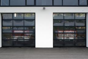 Industrietore Sektionaltore Aluminium DSTR40 Feuerwehrtore Glas
