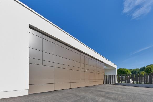 Garagentor Deckensektionaltore Aluminium LS4000 modern für Verkl. gerichtet