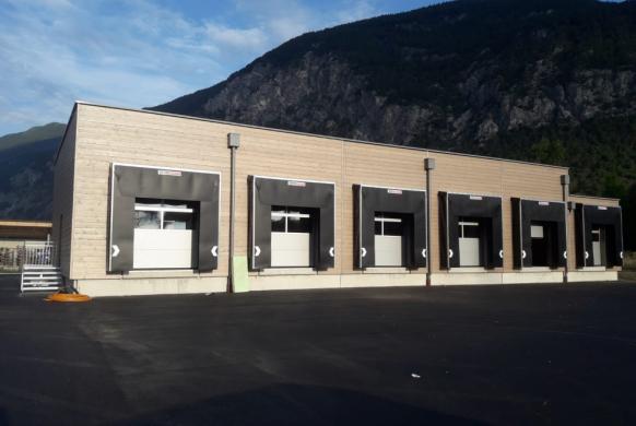 Industrie Sektionaltor Stahl Paneel DSTS40 samt Logisitk