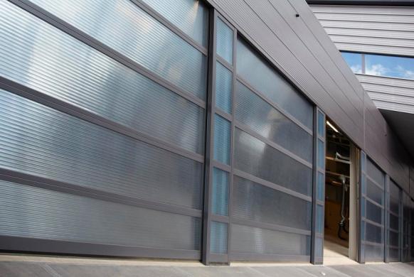 Industrietore Sektionaltore Aluminium DSTR40 Unternehmen Stegplatten